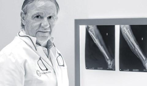 Dr. José María Cardona Vernet